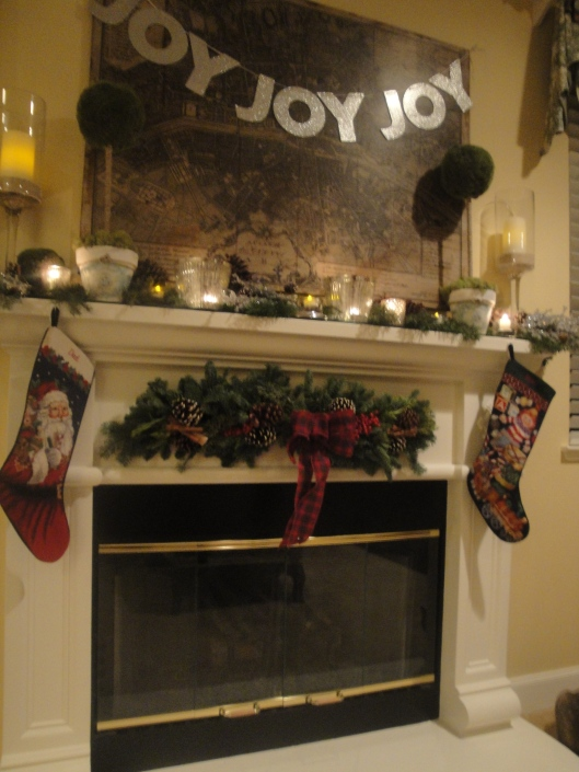 Preview_Christmas Mantel 2012